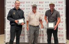 Alexandre Rolaz et ses deux fils, gagnant du Trophée Master