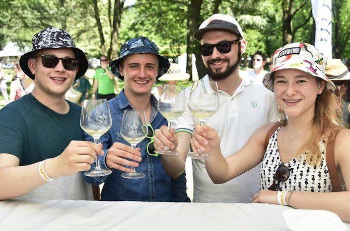 Sion 7500 oenophiles au jardin des vins swiss wine for Jardin des vins 2016 sion